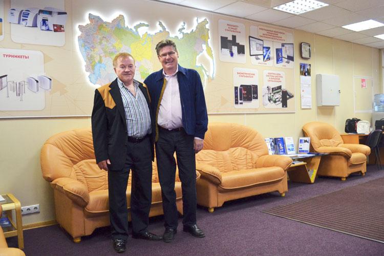 Директор компании Apollo Клиффорд Крейн и  президент компании ААМ Системз Андрей Миленин